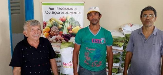 A Prefeitura de Pureza, através da Secretaria de Agricultura recebe sementes para agricultores.