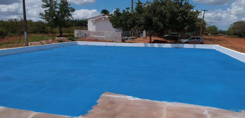 Obras de recuperação da quadra do riacho, onde foi realizado a reforma no piso, limpeza e pintura da quadra.