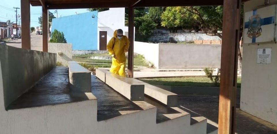 Prefeitura por meio da Secretaria de Saúde realiza mais uma desinfecção dos prédios públicos.